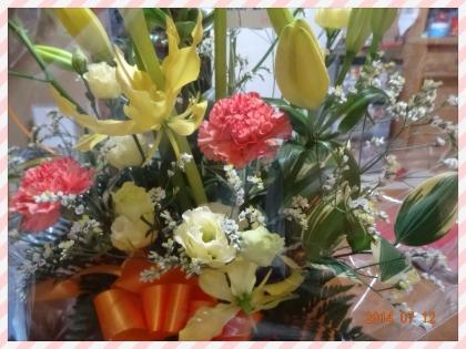 郡山で整体、マッサージ、骨盤矯正ダイエット、リフレクソロジー、フットケア、足裏足つぼをお探しなら_退院&誕生日、ダブルでのお祝いにお花を贈ってくださる方がいて、幸せ者です。