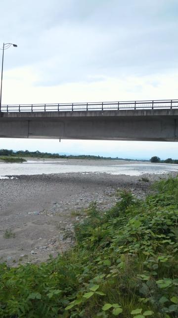 7月14日の会津大川、高田橋より下流を望む