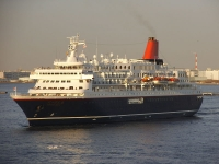 800px-The_luxurious_passenger_liner_Nippon-maru_after_the_great_remodeling.jpg