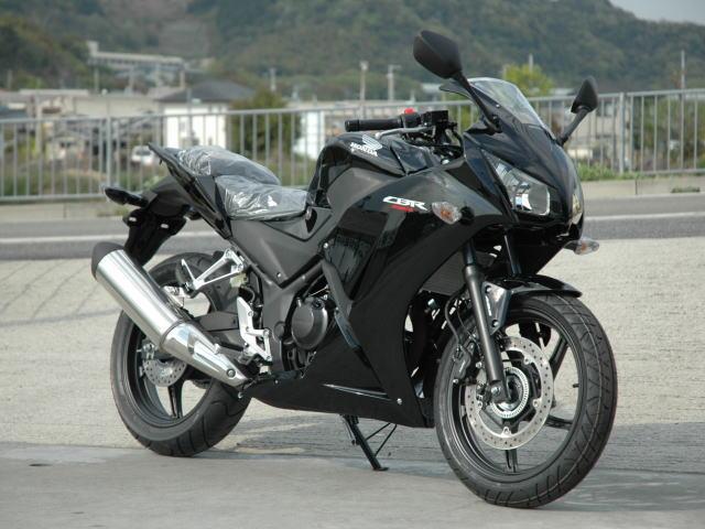 new-cbr250r-black-1.jpg