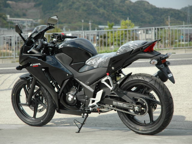 new-cbr250r-black-2.jpg