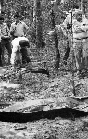 サム・レイバーン湖からも次々に発見される遺体