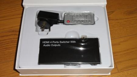 サンワサプライのHDMI切替器 400-SW015