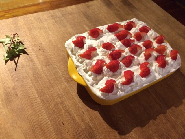 イチゴケーキ (640x480)