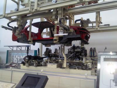 産業技術記念館1F組立