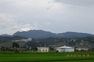 牛岳と水源地