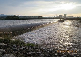 川幅イッパイ