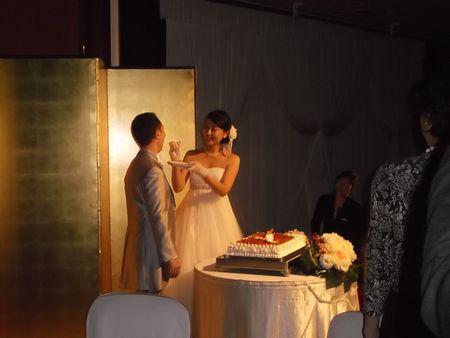 ケーキ入刀 FB