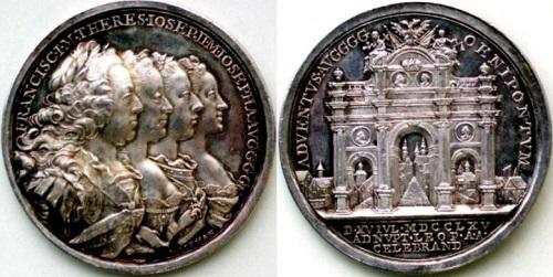 オーストリアの神聖ローマ皇帝一家を描く素晴らしい銀メダル