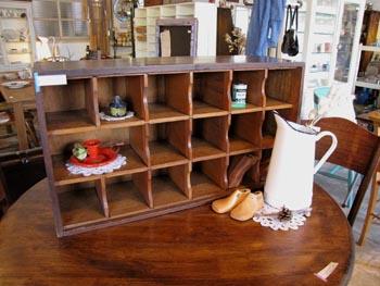 古家具 木味の仕切り棚 ディスプレイ棚