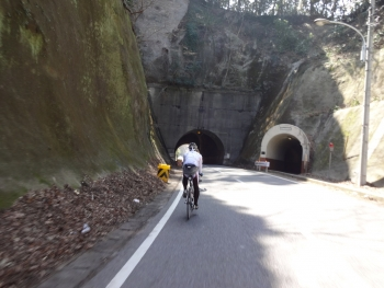 027トンネルを何個か・・・