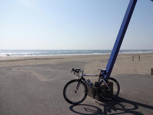014九十九里の海岸でぱちり、サーファーがウヨウヨ