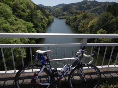 030亀山湖に到着