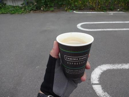 009ホットコーヒーを補給