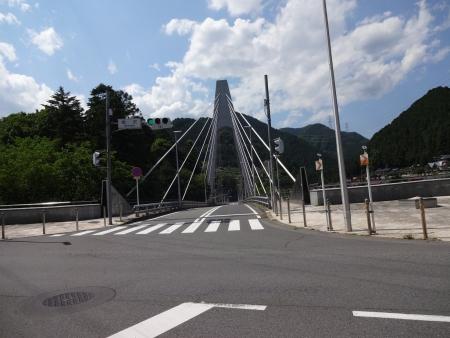 008こんな橋を通って