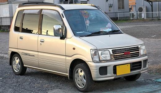 800px-Daihatsu_Move_Custom_001.jpg
