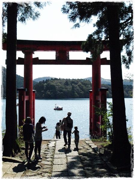 131014heiwano torii
