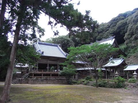 海神神社(わたつみじんじゃ・かいじんじんじゃ)境内の全景