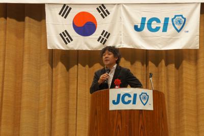ネトウヨ批判の茂木健一郎・民団や創価学会と癒着・「戦争を回避できる国になれる外交力」の欺瞞