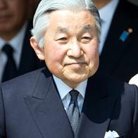 野々村竜太郎の場合、facebookにおいて、【尊敬する人 「明仁」】と、天皇陛下のことを「明仁」と表現