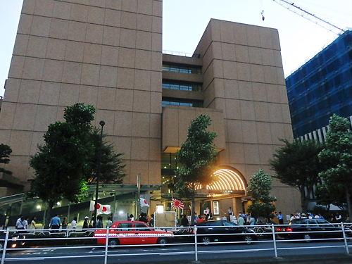 8月11日(月)、朝日新聞本社抗議街宣
