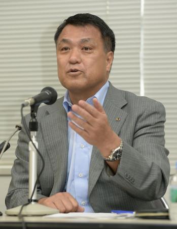 JFAの田嶋幸三副会長は同日の理事会後に記者会見し、セクハラの事実を「なかったと確認した」として報道を否定した。
