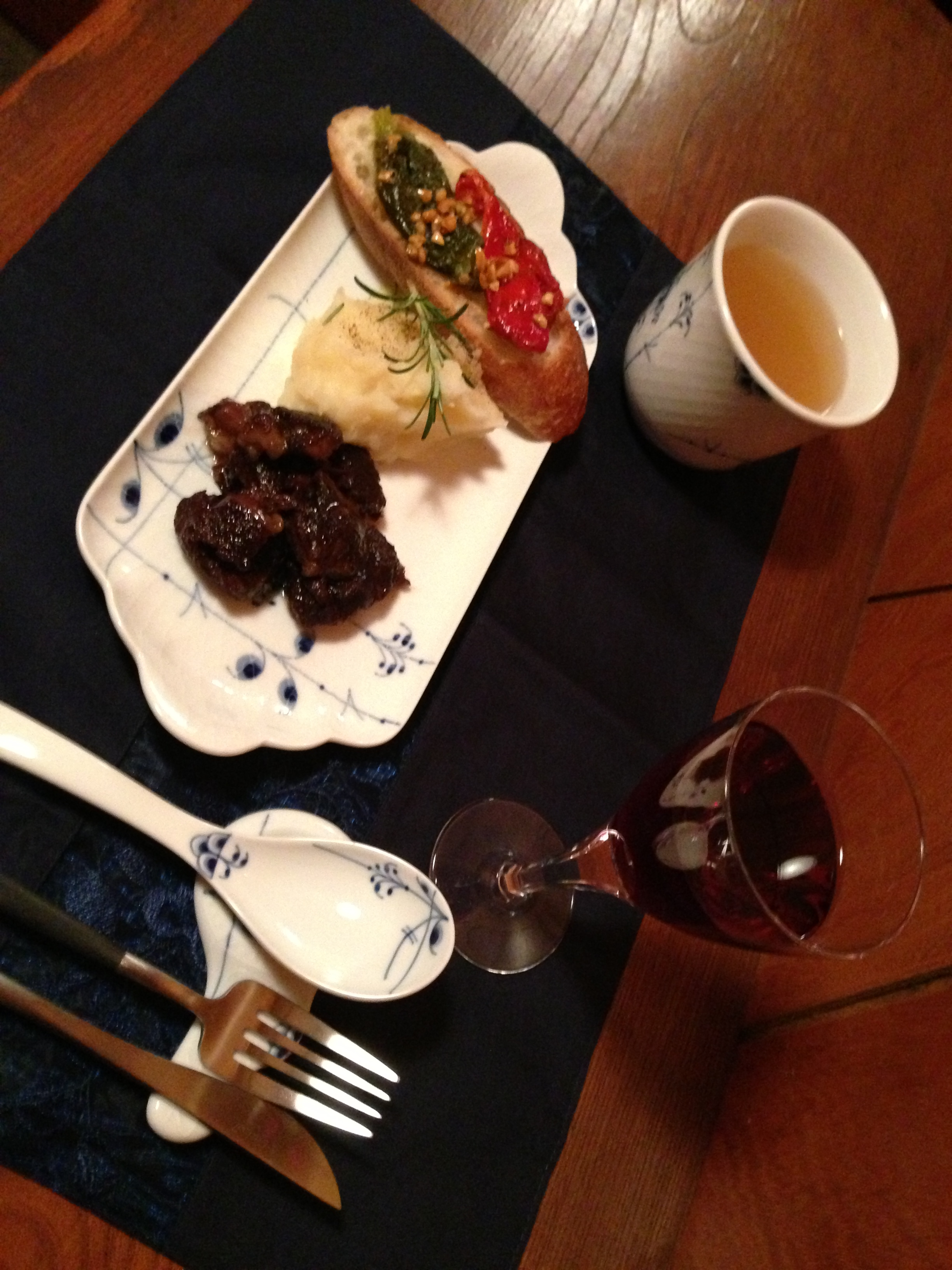 牛肉の赤ワイン煮2