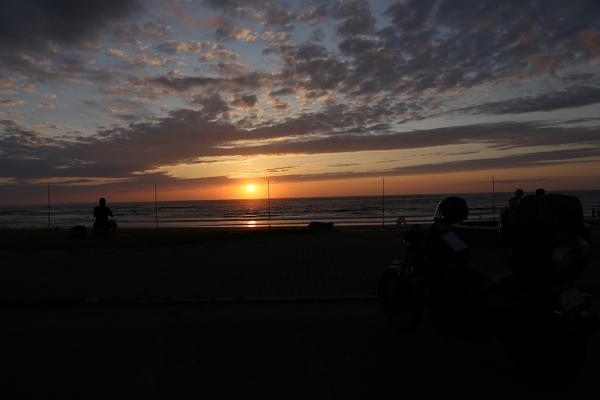 象潟海岸。この旅一番の思い出。