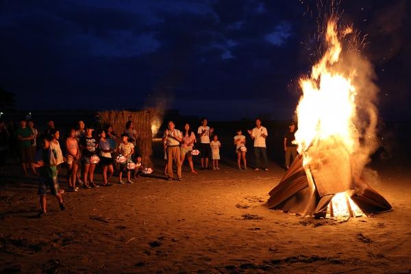 象潟海岸。お盆のお祭り?良かった。