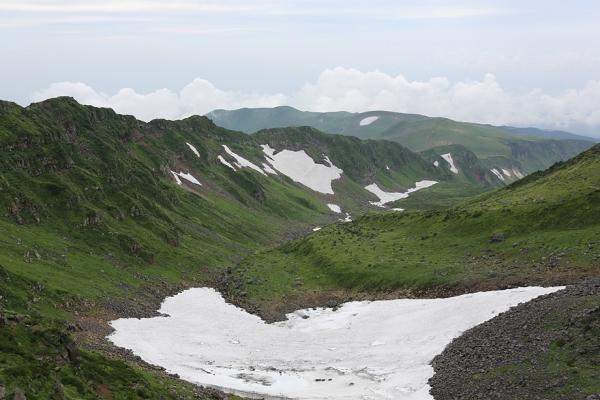 鳥海山。千蛇谷を上から望む。