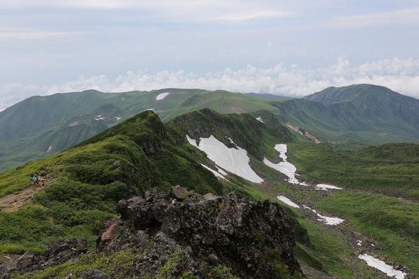 鳥海山。規模が大きい眺めが楽しめる。