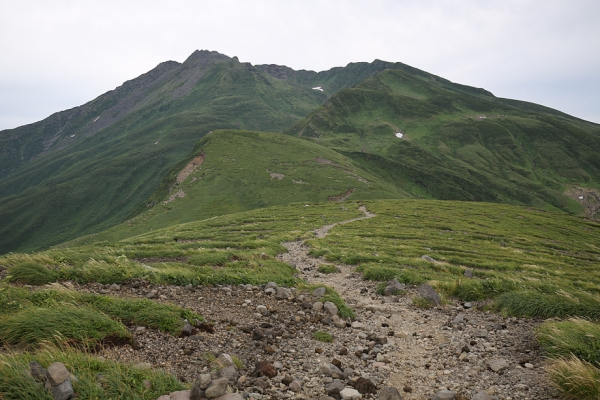 鳥海山。御田ヶ原から振り返った鳥海山。