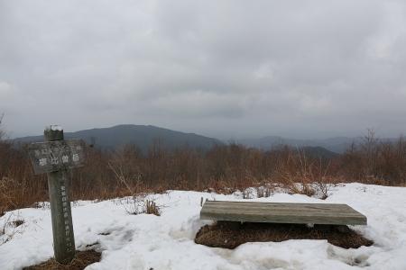 寧比曽岳頂上 天気悪いな