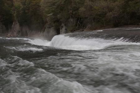 吹割の滝。豪快