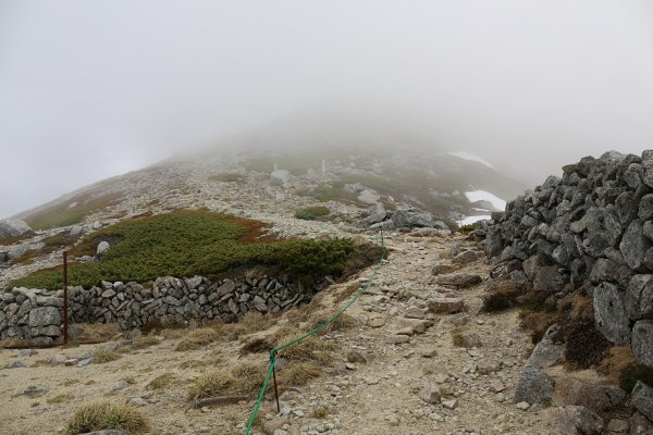 結局木曽駒ヶ岳まで晴れ間は見えず。。。