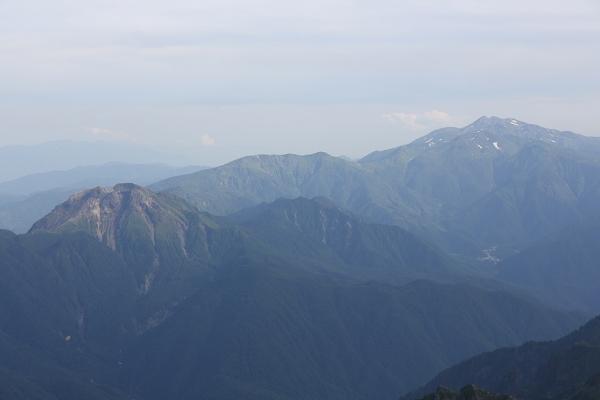 焼岳と乗鞍。美しい。