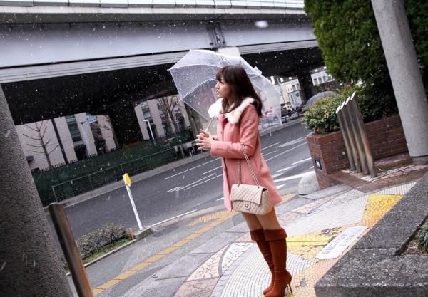 飯岡かなこ 画像02a.jpg