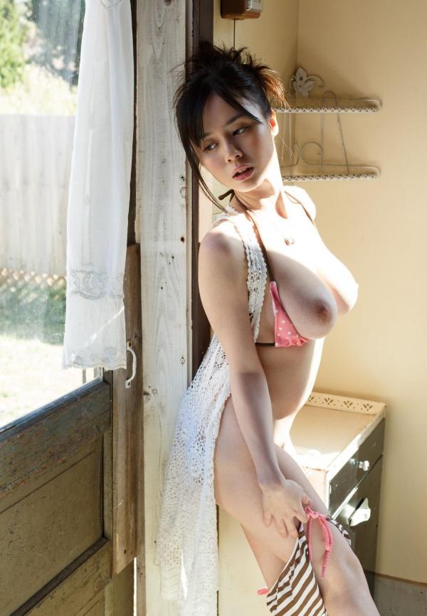 吉川あいみ JKコスプレで巨乳おっぱいを露出するAV女優エロ画像dee015.jpg