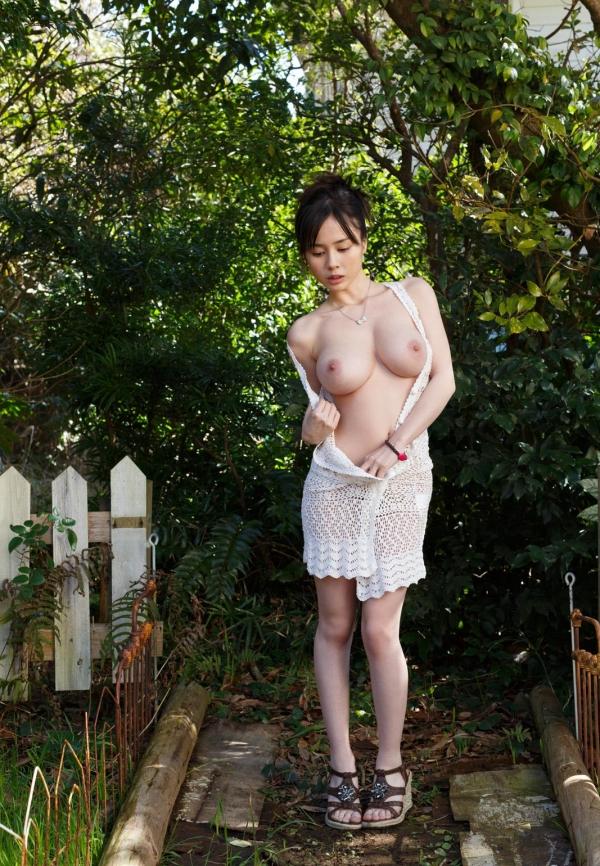 吉川あいみ JKコスプレで巨乳おっぱいを露出するAV女優エロ画像dee017.jpg