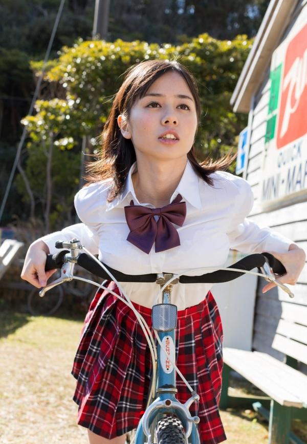 吉川あいみ JKコスプレで巨乳おっぱいを露出するAV女優エロ画像dzz004.jpg