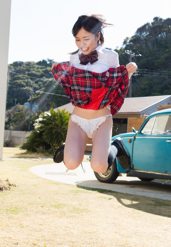 吉川あいみ JKコスプレで巨乳おっぱいを露出するAV女優エロ画像dzz006.jpg