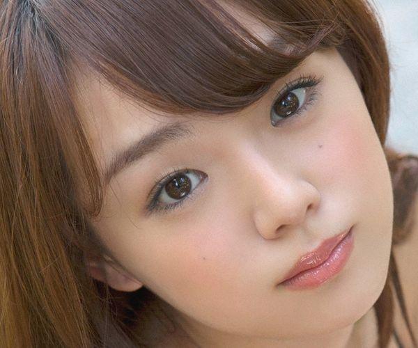 篠崎愛(しのざきあい)ぽっちゃりで巨乳おっぱいグラビアアイドル水着エロ画像31枚