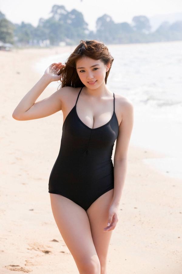 篠崎愛 ぽっちゃりで巨乳おっぱいグラビアアイドル水着エロ画像13.jpg
