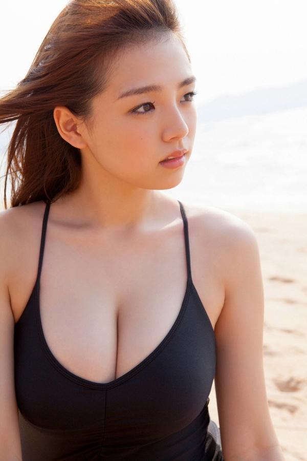 篠崎愛 ぽっちゃりで巨乳おっぱいグラビアアイドル水着エロ画像20.jpg