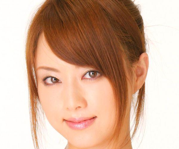 吉沢明歩|ローション塗り官能ヌードと下着姿のAV女優エロ画像01.jpg