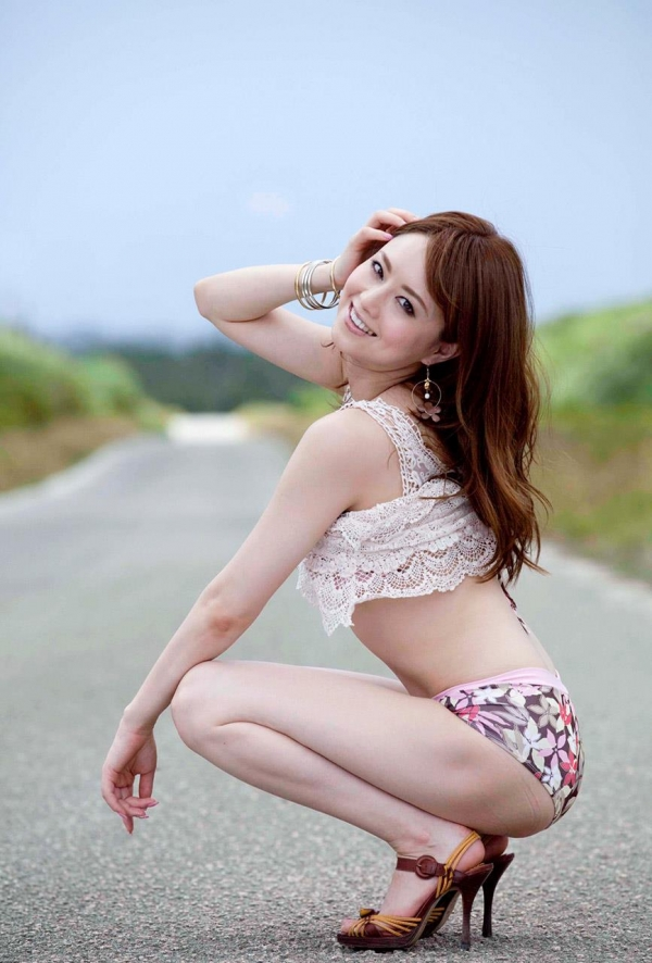 吉沢明歩|ヌードがいいけどビキニの水着姿も美しいAV女優エロ画像b006a.jpg