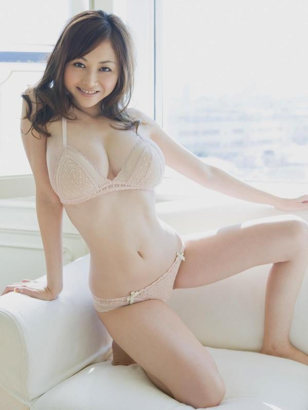 杉原杏璃(すぎはらあんり)巨乳おっぱいがビキニからハミでたグラビアアイドル水着エロ画像c006.jpg
