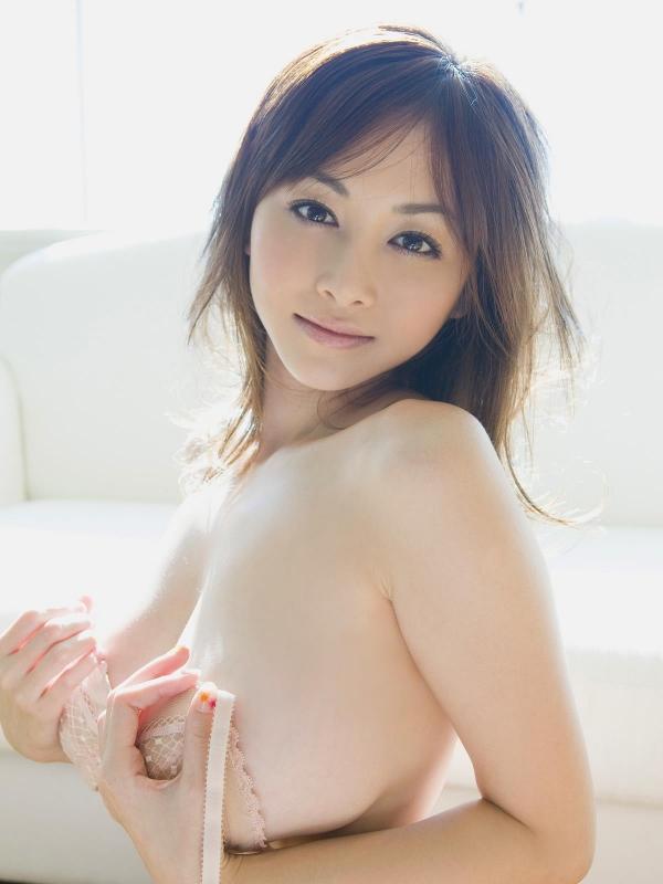 杉原杏璃(すぎはらあんり)巨乳おっぱいがビキニからハミでたグラビアアイドル水着エロ画像c016.jpg