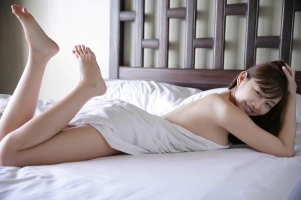 杉原杏璃(すぎはらあんり)官能グラビアアイドルのセクシーな下着姿とセミヌードエロ画像a016a.jpg