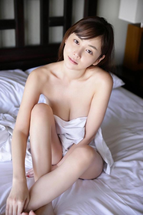 杉原杏璃(すぎはらあんり)官能グラビアアイドルのセクシーな下着姿とセミヌードエロ画像a023a.jpg